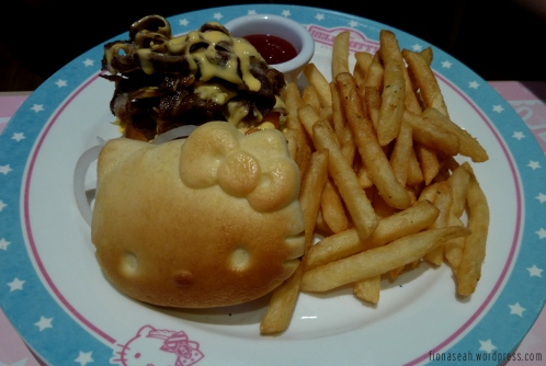 Boyfriend's Boston steak burger which steak was served cold.. I probably know why now. Coz it flew from Boston