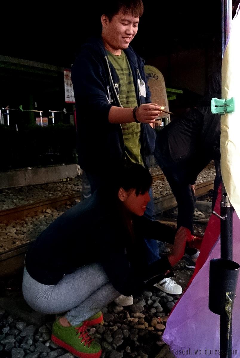 Having fun scribbling on the lantern hahaha.