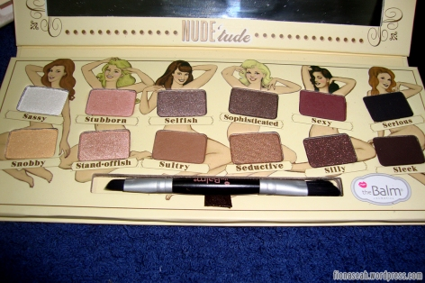TheBalm NUDE'tude close-up