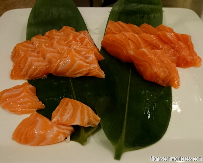 This is all that matters at the Japanese row.. SALMON SASHIMI!!