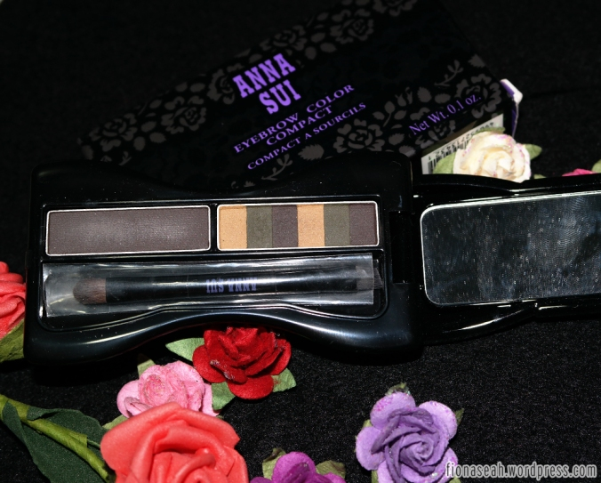 Anna Sui Eyebrow Color Compact in shade 03