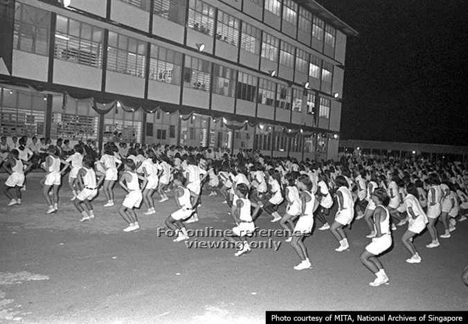 Bukit Ho Swee Secondary opening in 1967 -gmynastic performance