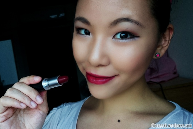 Diva is comparable to Urban Decay's Shame, I feel. It's also in a deep burgundy shade :D