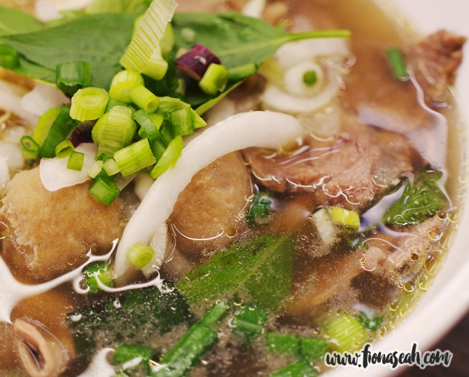Close up on the different cuts of beef in the Pho