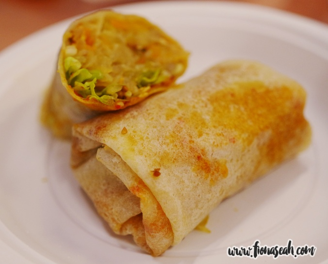 Popiah (1 roll for S$3, 2 rolls for S$5) at Good Chance Popiah