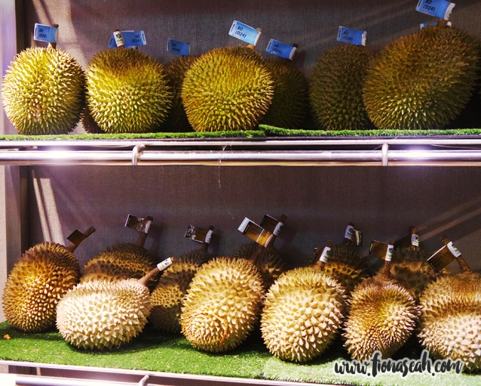 Durians are stored in a cold room so that they can be kept for up to 10 days compared to six days on average at room temperature. There are more than 8 types of durian to choose from!