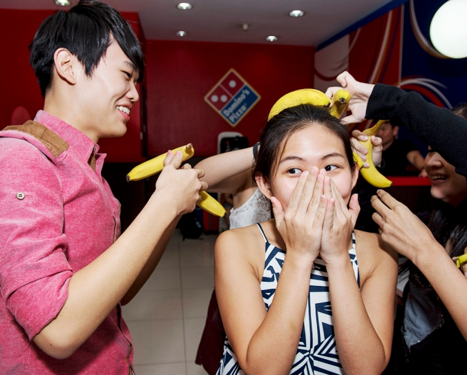 One of the games lined up for us was to stack as many bananas as possible on a team member's head and thereafter, walk to the other end of the restaurant without toppling them over. Unfortunately none of us could do that u_u (photo credit: The Influencer Network)