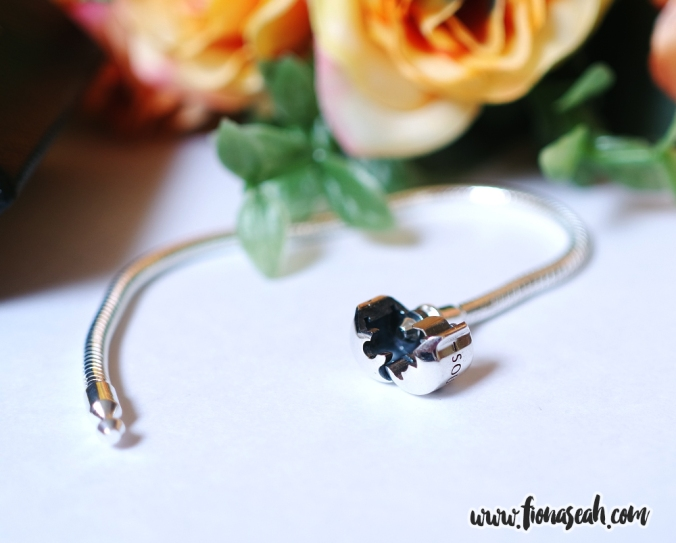 Exclusive 925 Sterling Silver Basic Bracelet with barrel clasp
