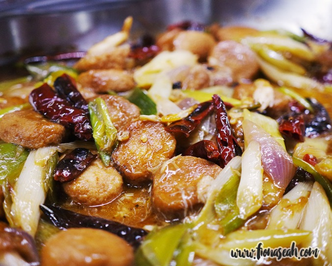 Deep-fried Crabmeat and Tofu with Leek & Oyster Sauce