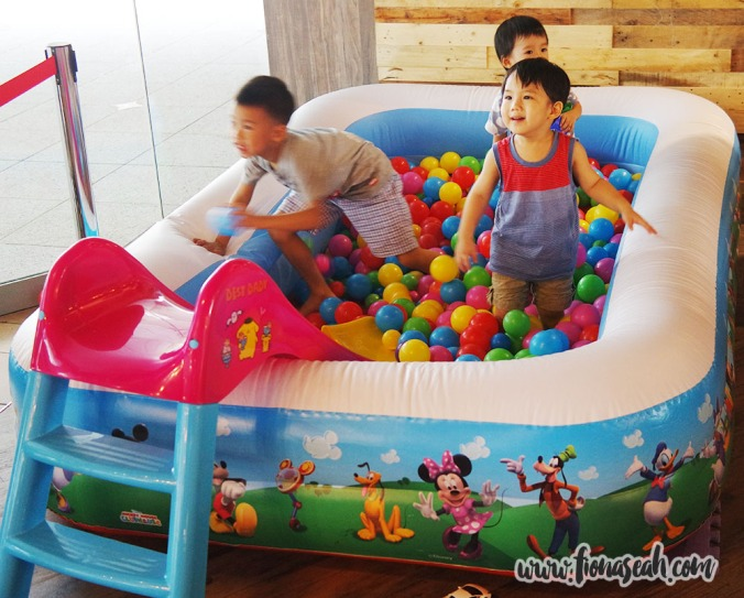 Mini Ball Pit