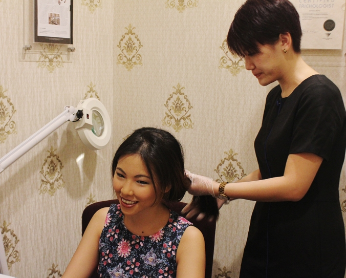 Getting ready for a hair and scalp analysis (credit: TK TrichoKare)