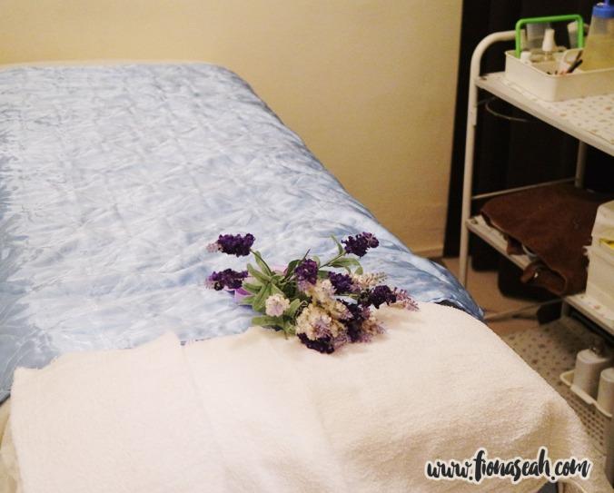 Bed in facial room