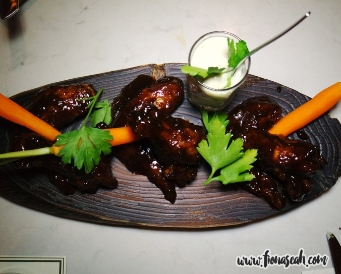 KUVO Coffee Hot Wings (S$14++)