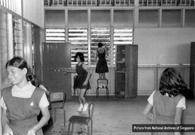 pasir-panjang-primary-school-circa-1976-use-your-hands-campaign-NAS