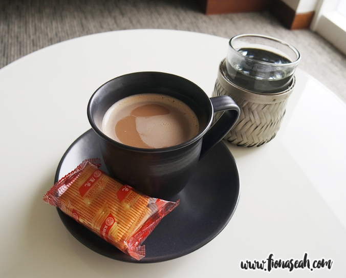 Had a cuppa hot Milo and lemon puff biscuits before taking some pills