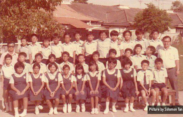 P6A (circa 1985): Ivy lee is fourth girl from left in the front row