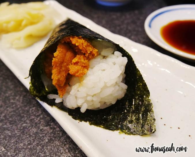 Sea Urchin Temaki Sushi (¥500)