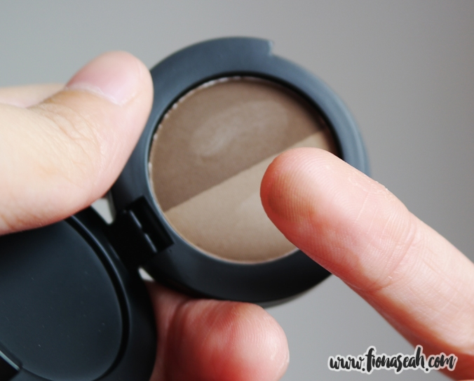 Brow Powder Duo - the lighter shade