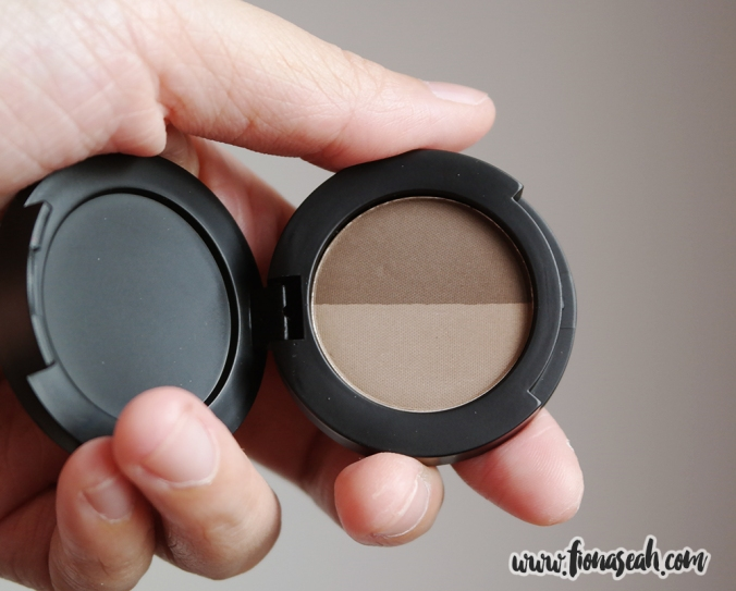 Brow Powder Duo (under natural lighting)