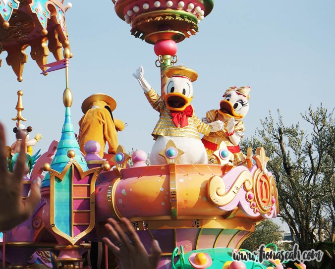 Donald and Daisy!