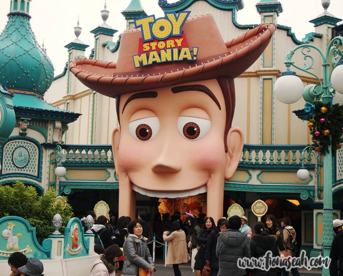 I don't know about you but entering the attraction through Woody's mouth seems a little horror-esque..