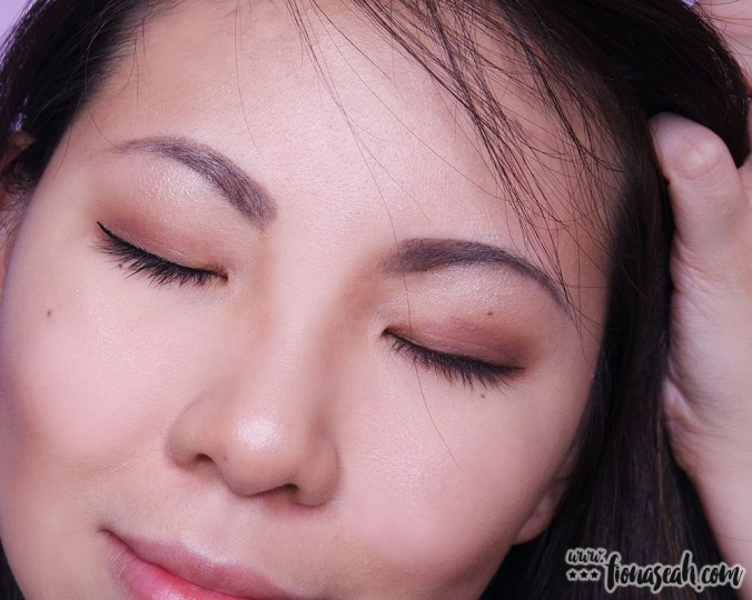 [AFTER] M.A.C Rollerwheel Liquid Liner - left: Rollin' Black Shine / right: Rollerwheel Brown