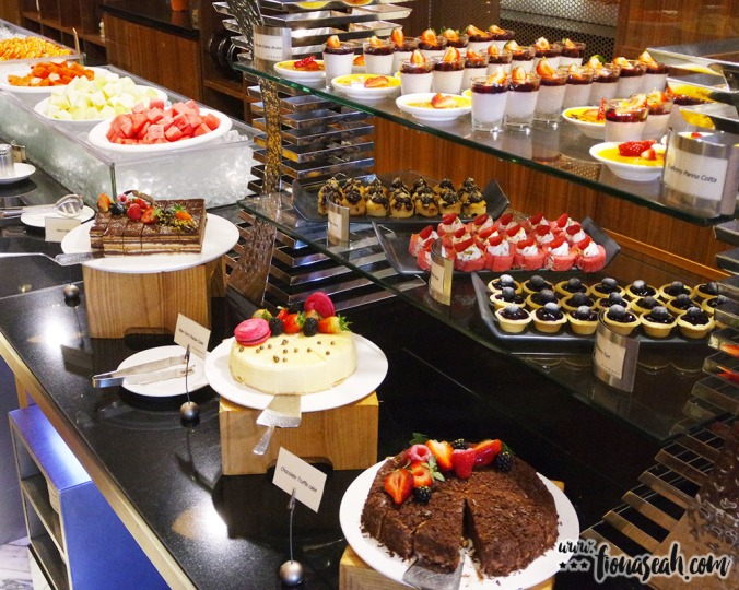Sweet and savoury desserts to conclude your buffet experience
