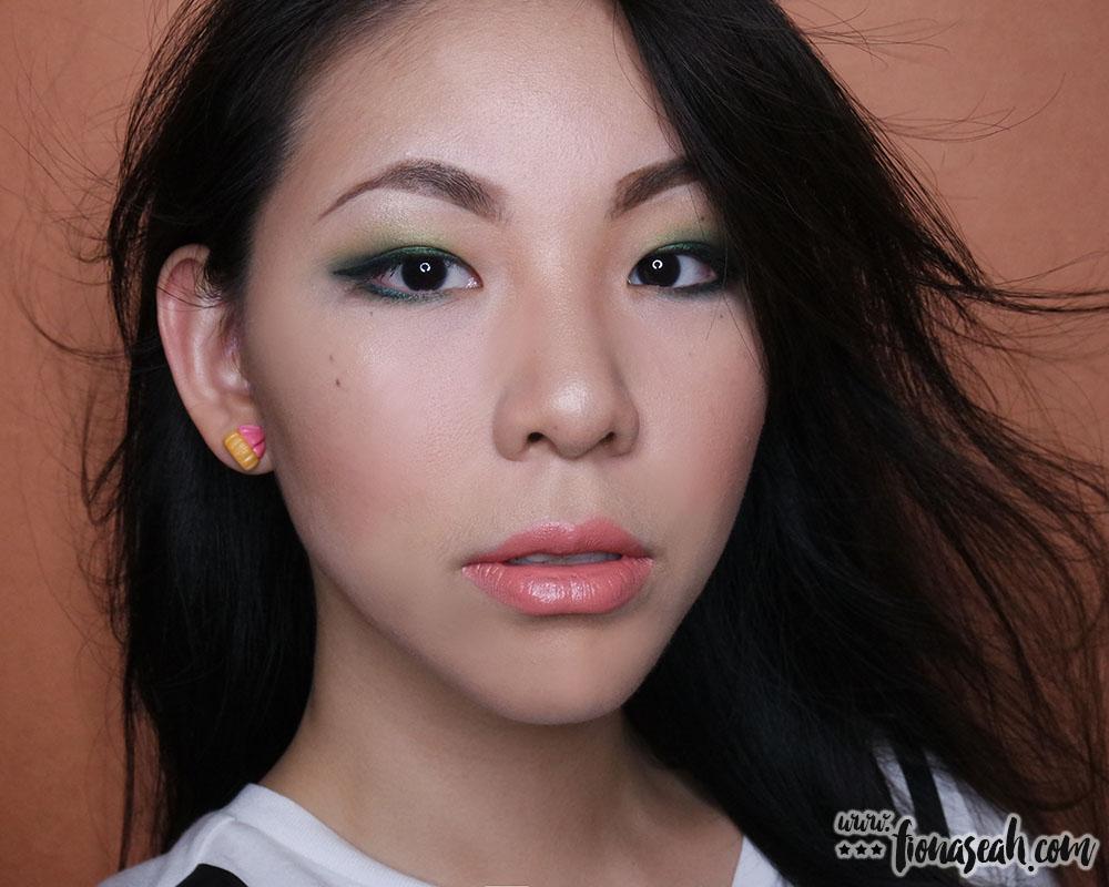 Sexy japanese college girls