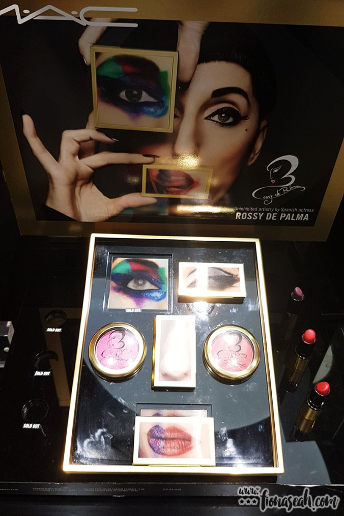 The display (FYI the one with the nose image is the contour kit - kinda like that one too)
