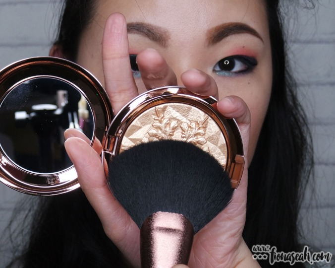 M·A·C Extra Dimension Skinfinish in Whisper of Gilt - with the M·A·C 140 Synthetic Full Fan Brush