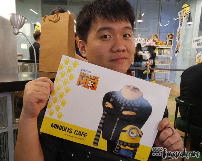 Free limited edition original placemat (paper) with any order at the MINIONS CAFÉ