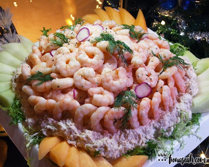 Cocktail Prawn and Crab Meat with Duo Melon