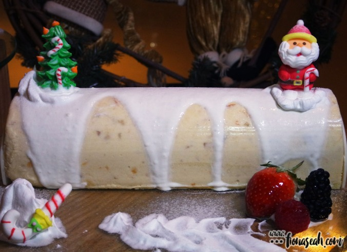 Amara's Signature Cempadak Yule Log Cake (1 kg, S$65+)