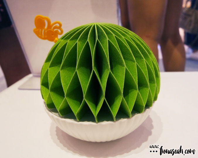 A durian-looking humidifier? Not expensive at all - only S$13.41 (before discount)!