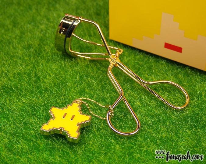 shu uemura × Super Mario Bros Invincible Superstar Premium Curler