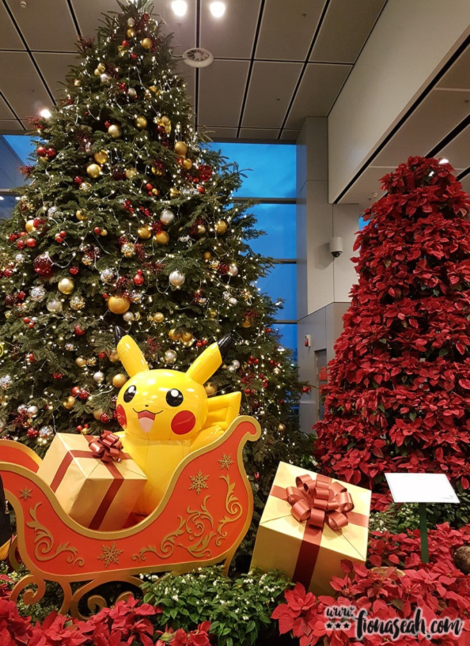 Changi Airport was decked out in Pokémon deco for Christmas in 2016! Their best theme yet :B