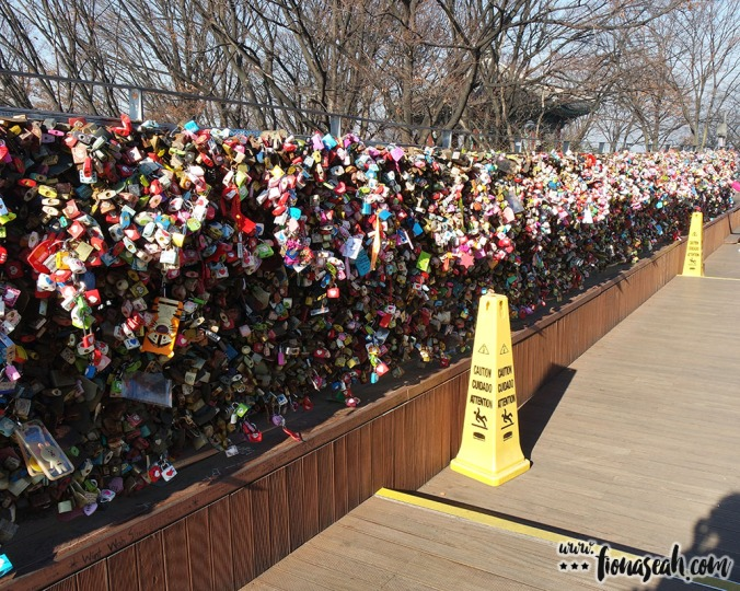 SO. MANY. OF. THEM. (and this is just one tiny part of ONE railing) Of course, it doesn't have to be padlock. Some creative people actually hung handphone covers and pencil cases lol