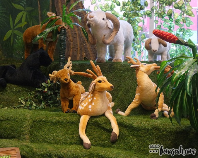 More safari animals..
