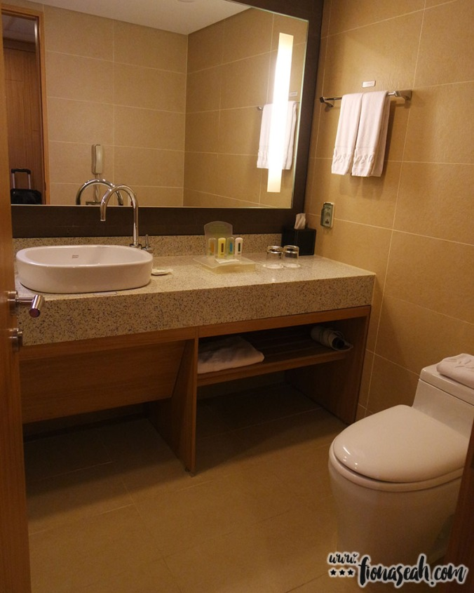 Spacious pee-pee area equipped with basic amenities