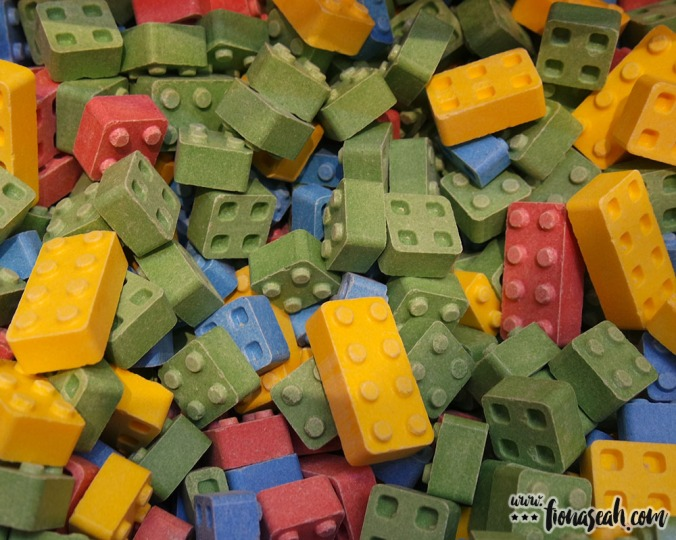 Edible and stackable Lego blocks