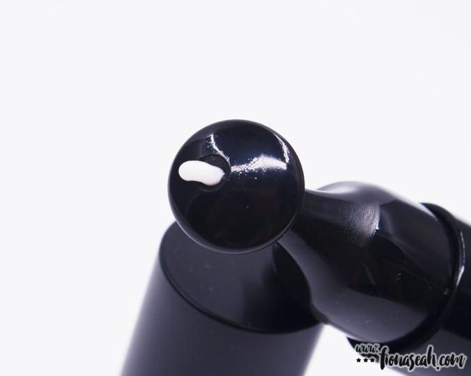 KISpeel Micro-Raphides Spot Cream applicator