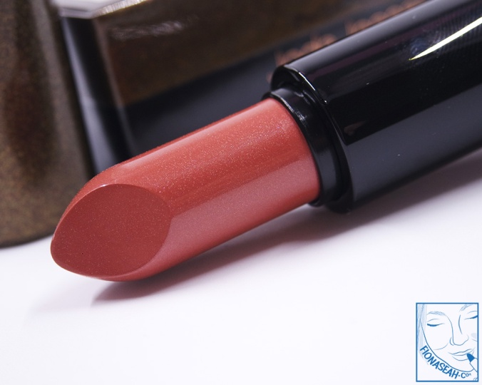 M·A·C × Jade Jagger Mineralize Rich Lipstick in Sunset Pearl (US$25 / S$)