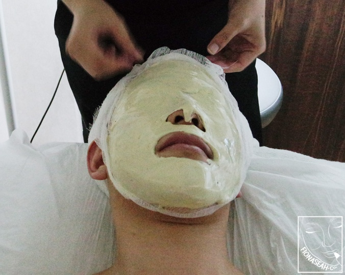 Time for mask! This step was specially incorporated into the session to suit my skin, so be sure to ask for it (additional charges apply) if you're keen!