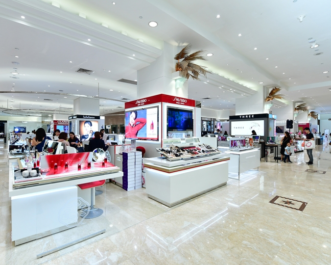 Not a newcomer, but Shiseido has just got a counter revamp! It's so much more spacious now!