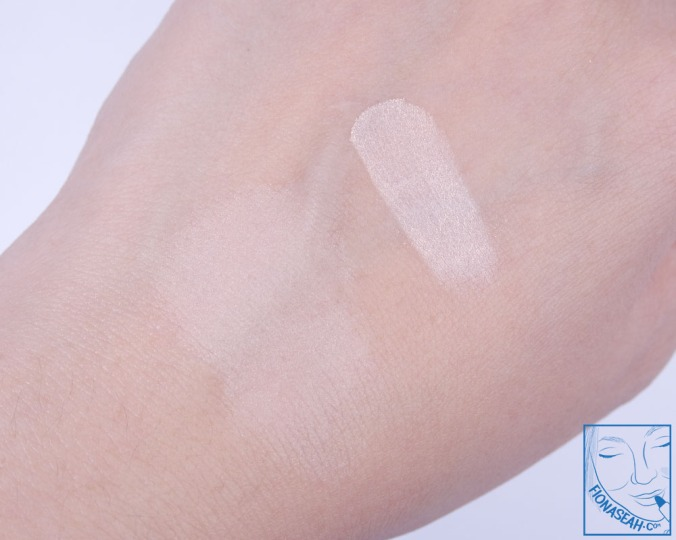 CEZANNE UV Clear Face Powder 01 - original state (right) & spread out (left)
