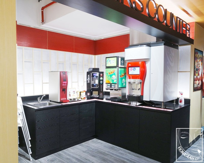 This is where you get your free-flow of soft drinks (except for juices and alcoholic beverages) if you have ordered them at S$3.50 per pax!