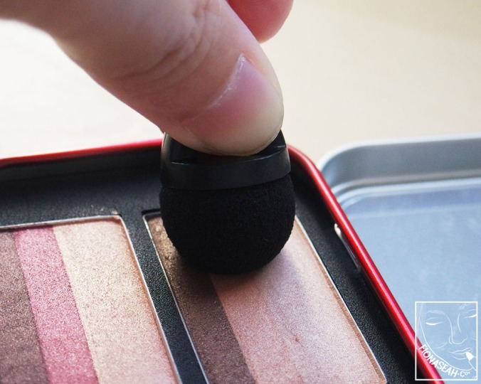 How you should position your applicator on the pan to pick up all three shades at once