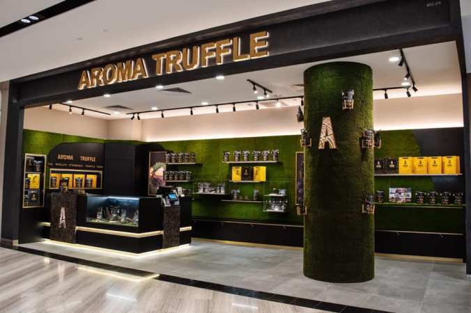 Aroma Truffle Outlet at Jewel Changi Airport, level 2. Opens daily from 10am to 10pm. If you're based overseas and will be stopping by Singapore in the near future, you can consider getting your truffle chips here! (Image from Aroma Truffle Facebook)
